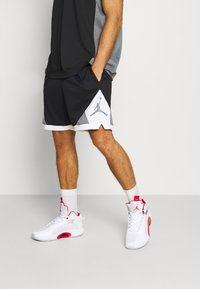 Jordan - DRY AIR DIAMOND SHORT - Sports shorts - black/white/smoke grey - 0