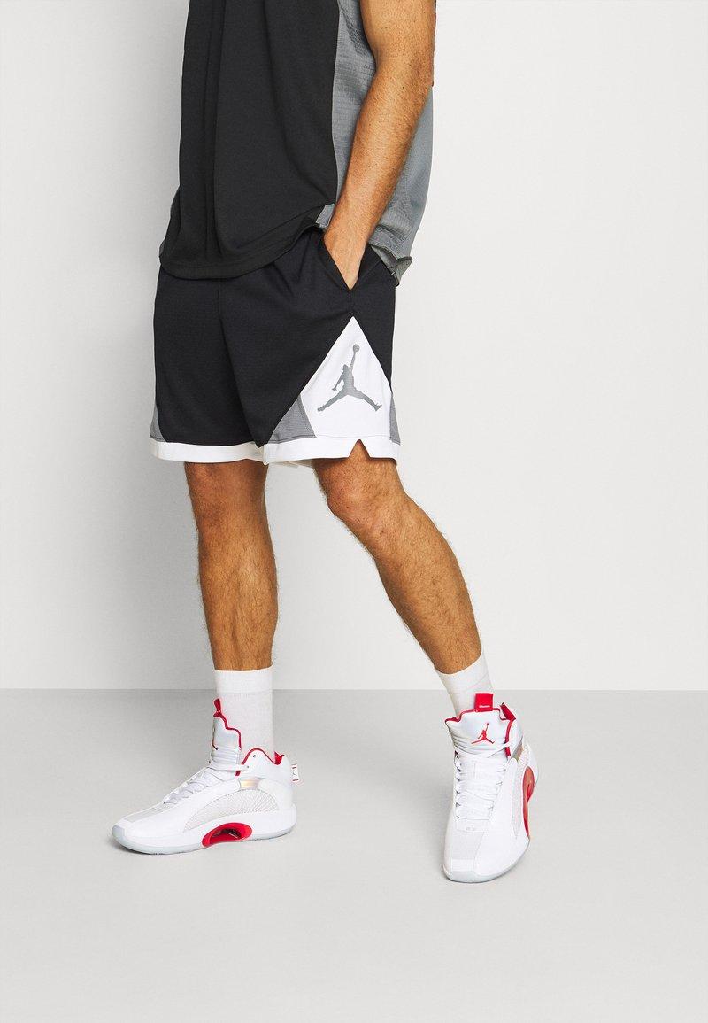Jordan - DRY AIR DIAMOND SHORT - Sports shorts - black/white/smoke grey