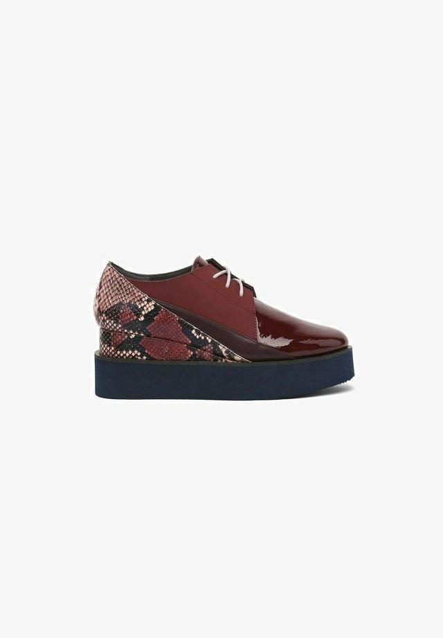 Chaussures à lacets - bordeaux