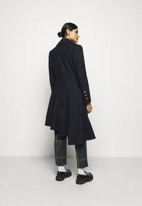 Vivienne Westwood - NUTMEG COAT - Classic coat - navy - 2