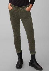 Marc O'Polo - ALBY  - Trousers - deep pine - 0