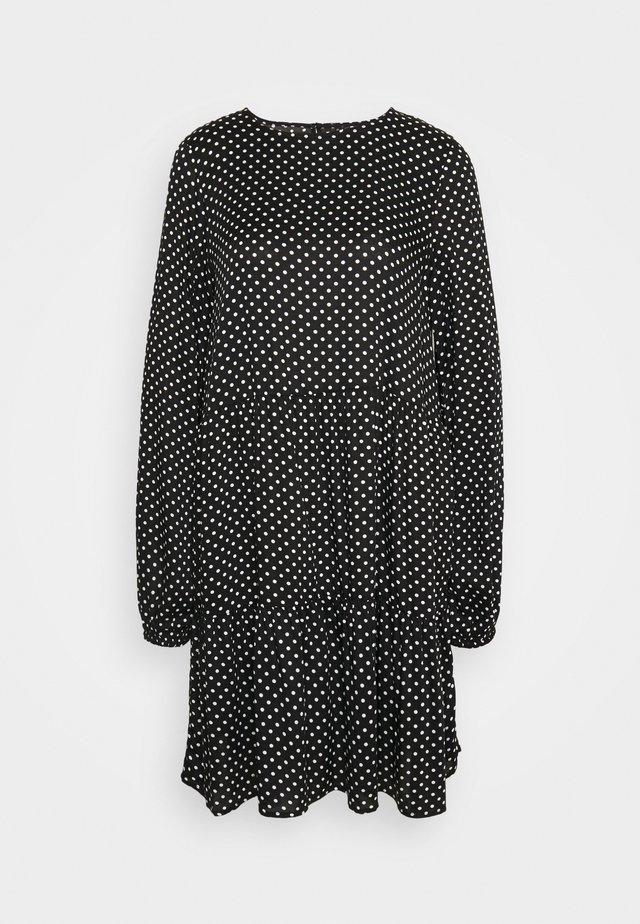 VMFIE DRESS - Korte jurk - black/birch dot