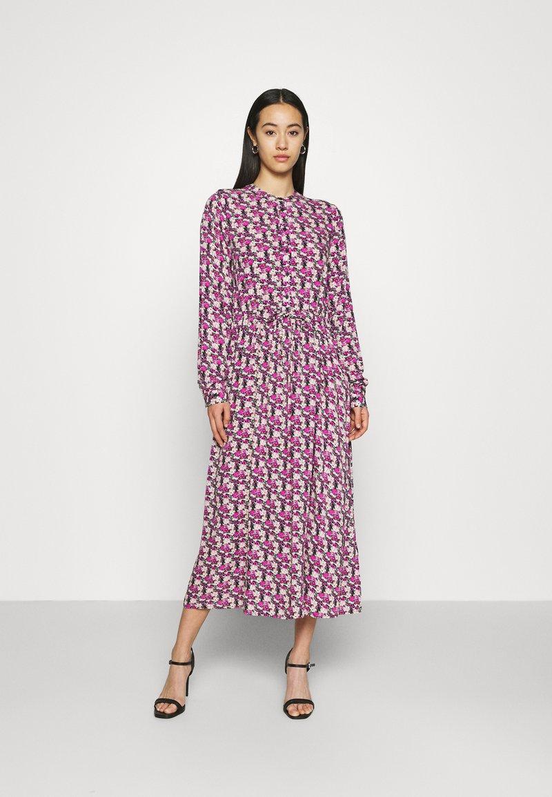 Moves - TANISA DRESS - Kjole - fuchsia purple