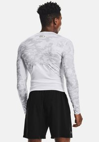 Under Armour - Long sleeved top - white - 2