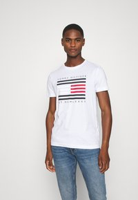 Tommy Hilfiger - Print T-shirt - white - 0