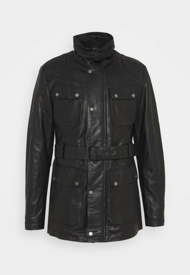 GARRET - Krótki płaszcz - black