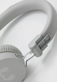 Fresh 'n Rebel - CAPS WIRELESS HEADPHONES - Headphones - cloud - 6