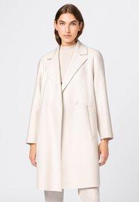 HALLHUBER - Classic coat - creme - 0