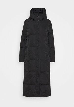 LUCY - Kabát zprachového peří - black