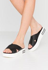 Ilse Jacobsen - DAISY - Pantofle - black - 0