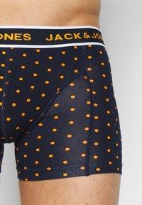 Jack & Jones - JACDOTS TRUNKS 3 PACK - Panties - navy blazer - 6