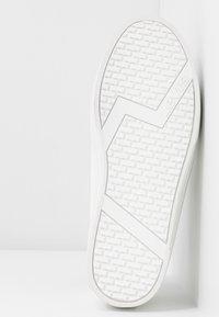 Levi's® - TIJUANA - Sneakers laag - brilliant white - 6