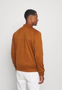 Ben Sherman - TRICOT COLLAR ZIP THROUGH - Training jacket - caramel - 2