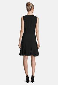 Vera Mont - MIT VOLANT - Shift dress - black - 2