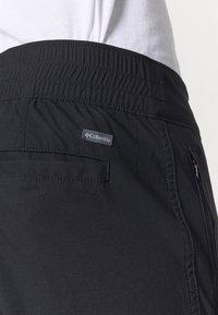 Columbia - FIRWOODCARGO PANT - Stoffhose - black - 5
