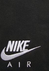 Nike Sportswear - AIR PLUS - Shorts - black/white - 5