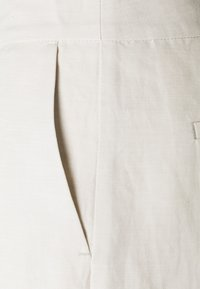 IVY & OAK - ISATIS - Trousers - white sand - 2