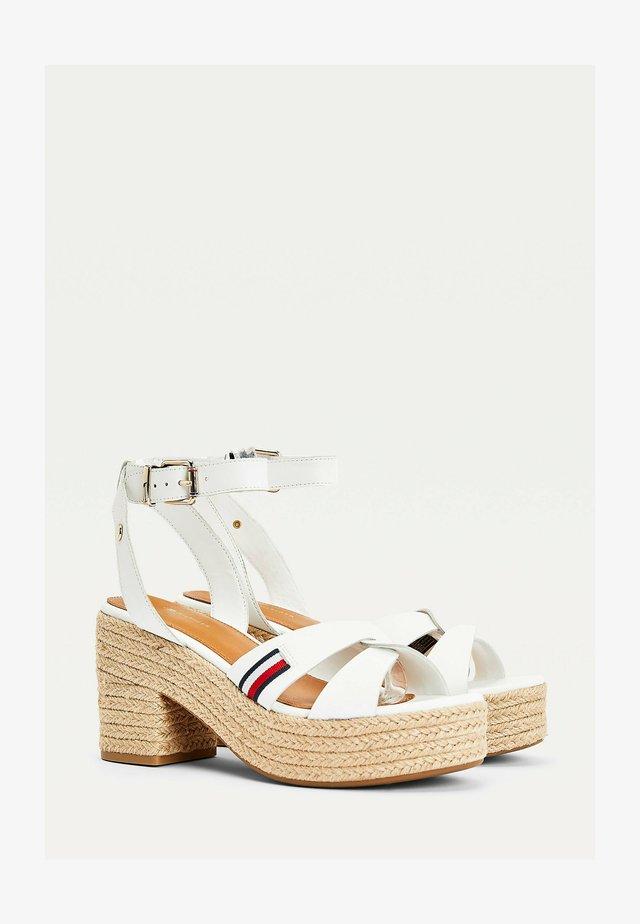 Sandalen met hoge hak - beige, white