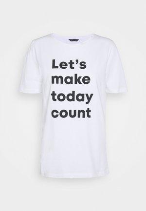 PLACEME - Print T-shirt - white