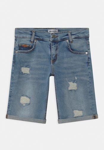 BOYS ULTRASTRETCH  - Denim shorts - light-blue denim