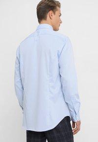 Tommy Hilfiger Tailored - REGULAR FIT - Formal shirt - blue - 2