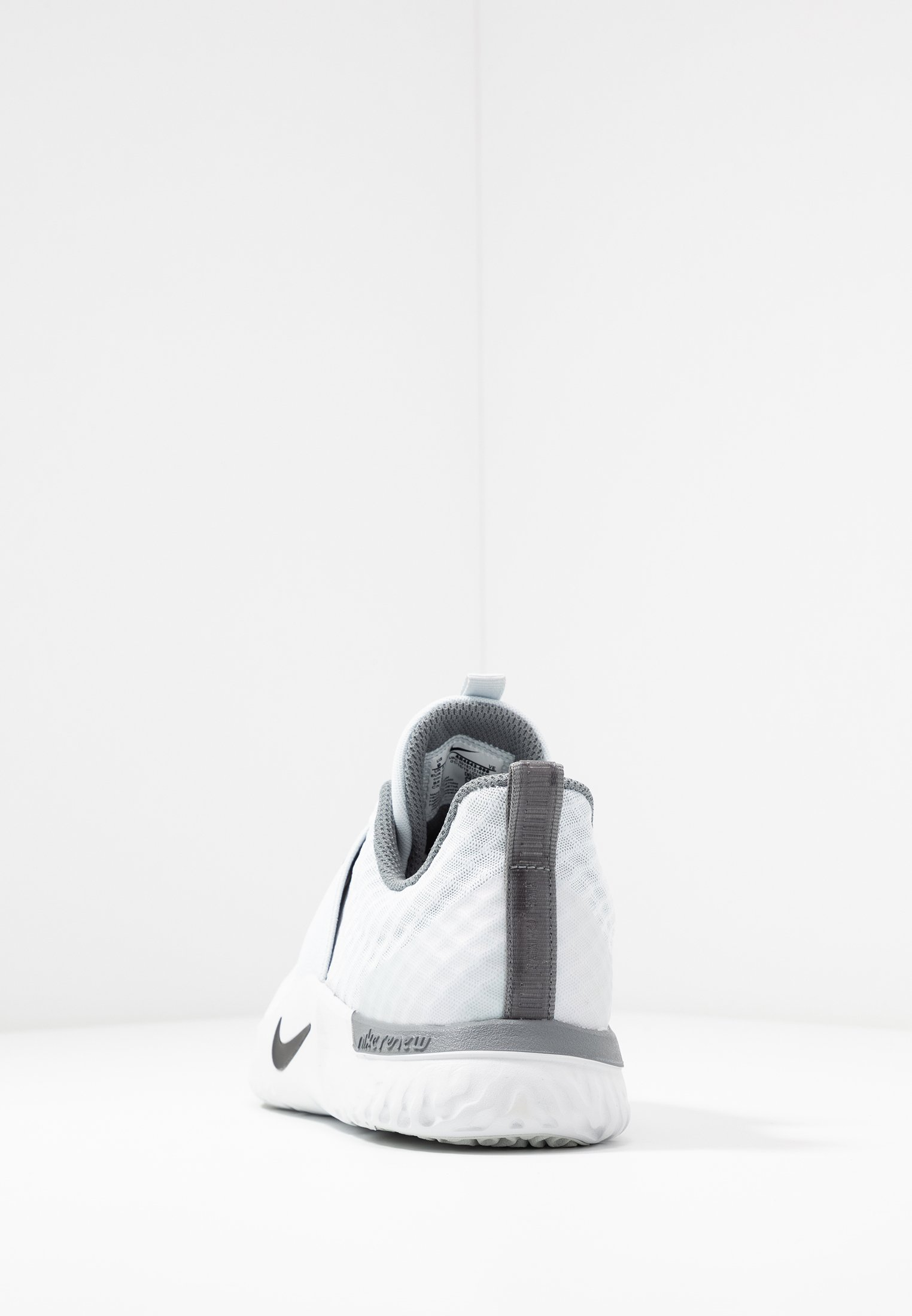 Nike Performance RENEW IN SEASON TR 9 Treningssko white