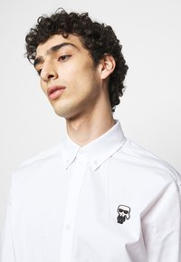 KARL LAGERFELD - SHIRT CASUAL - Shirt - white - 5