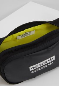 adidas Originals - WAISTBAG - Marsupio - black - 4