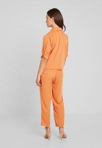 Fashion Union Petite - Blouse - saffron - 2