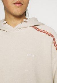 Levi's® - FASHION HOODIE UNISEX - Sweater - sahara khaki - 4