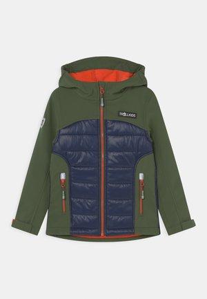 LYSEFJORD UNISEX - Veste softshell - forest green/navy/flame orange