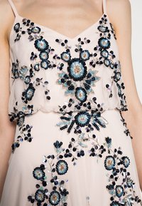 Adrianna Papell - BEADED BLOUSON GOWN - Suknia balowa - pale pink - 3