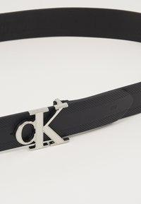 Calvin Klein Jeans - GYM CLASS MONOGRAM 35MM - Cintura - black - 4