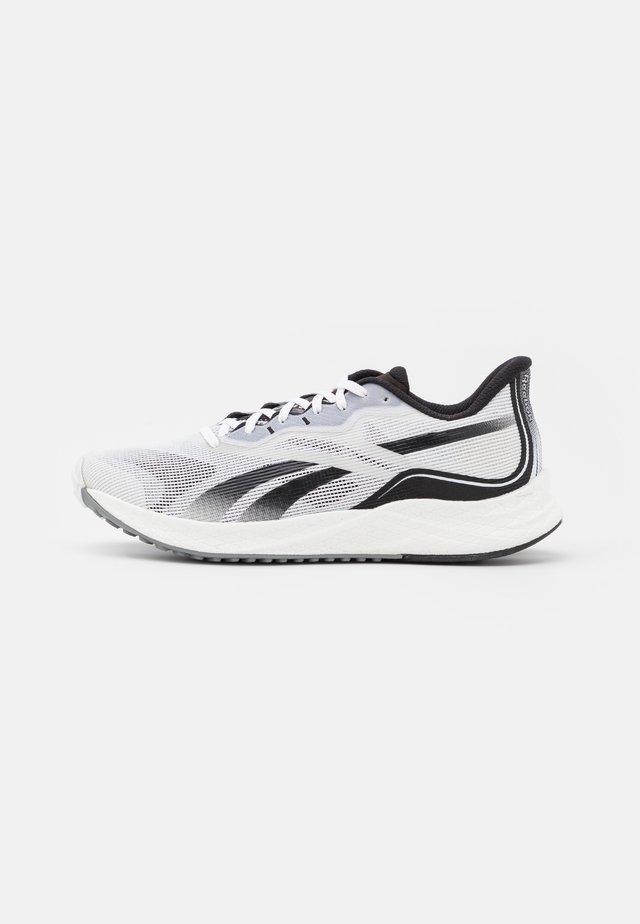 FLOATRIDE ENERGY 3.0 - Scarpe running neutre - footwear white/core black