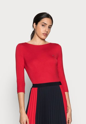 Long sleeved top - primary red