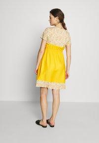 Pomkin - BETTINA - Denní šaty - jaune - 2