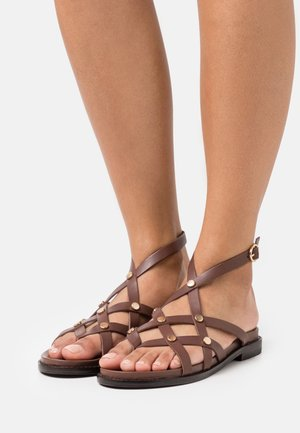 WHITNEY - Sandály s odděleným palcem - marron
