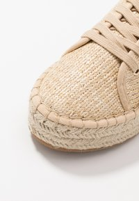 Miss Selfridge - TABAGO TRAINER - Espadrillas - natural - 2