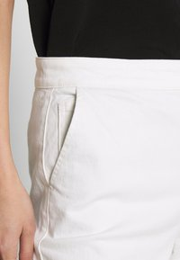 White Stuff - THEA WIDE LEG CROP - Flared Jeans - white - 3