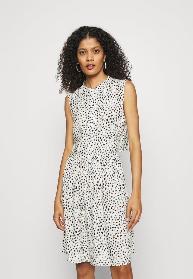 DOMINIQUE - Korte jurk - white/mint