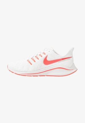 AIR ZOOM VOMERO  - Neutral running shoes - white/laser crimson/track red/platinum tint/light smoke grey/photon dust