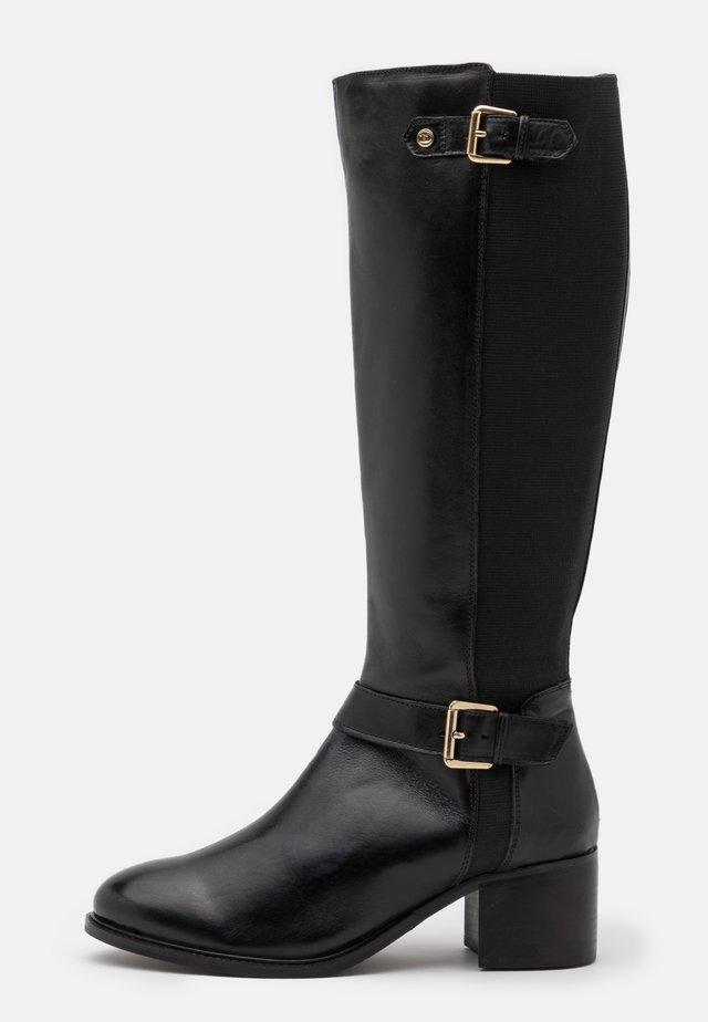 WIDE FIT TILDAS - Høje støvler/ Støvler - black