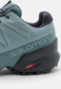 Salomon - SPEEDCROSS 5 GTX - Trail running shoes - slate/trooper/ebony - 5