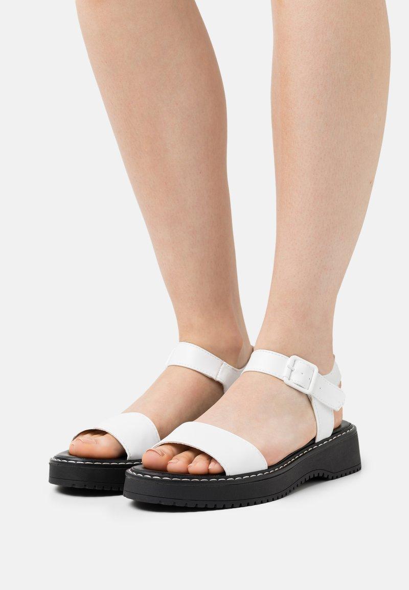 Madden Girl - HARIS - Platform sandals - white paris