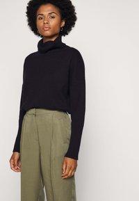 Bruuns Bazaar - TELMAH DAHLIA PANT - Trousers - olive tree - 3