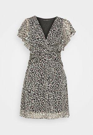 LANA DRESS - Denní šaty - braun