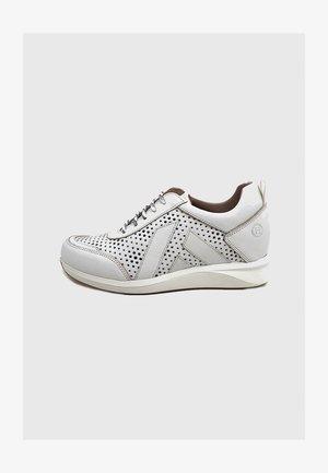 KAELEEN  - Zapatillas - blanco