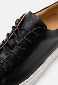 Tiger of Sweden - CATRILIA - Sneakersy niskie - black - 6