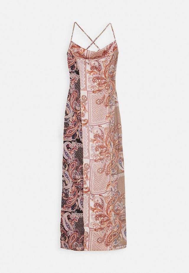 PAISLEY COWL NECK CAMI MAXI DRESS - Robe d'été - rust