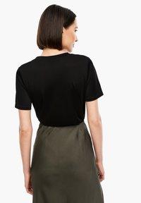 s.Oliver BLACK LABEL - Basic T-shirt - true black - 2